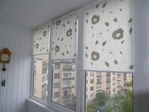Установка рулонных штор на пластиковые окна в Электростали